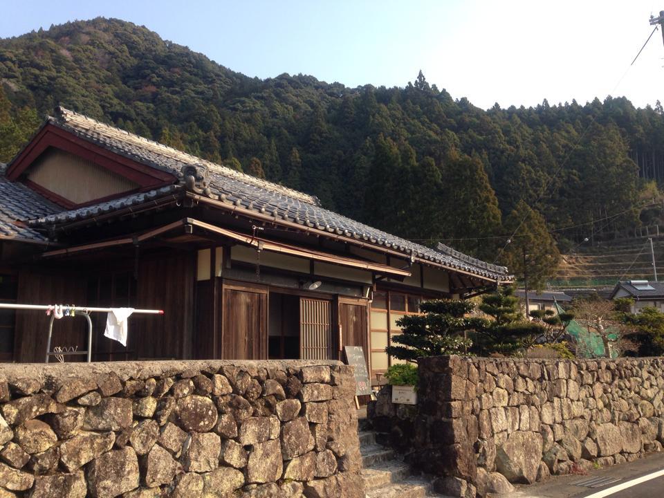 http://irokawamura.com/news/about/r02.jpg